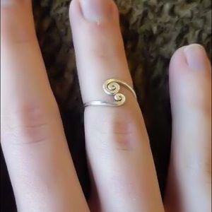 Hammered spiral midi/knuckle ring